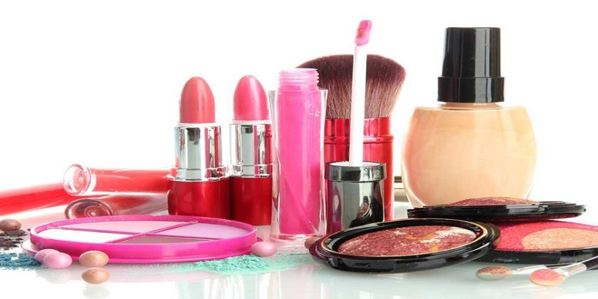 Top 10 Bridal Makeup Kits Available In India
